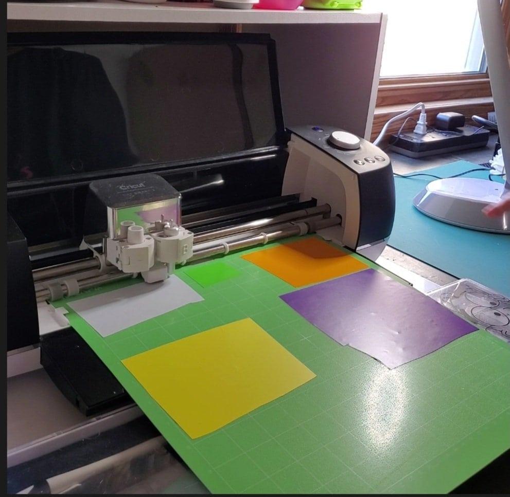 adhesive vinyl, layering adhesive vinyl, vinyl on standard grip mat